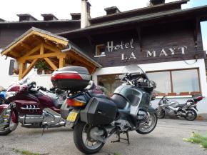 Relais motards dans les Alpes